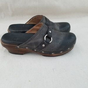 Frye Leather Distressed Belted Mule Clogs Size 9